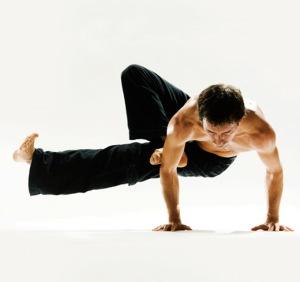 Йога для мужчин и мужского здоровья